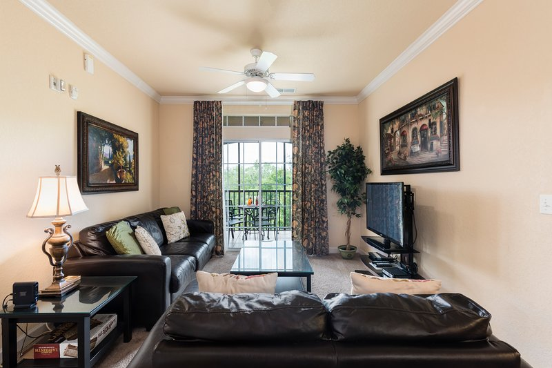 Luxurious 2 Bed 2 Bath Condo Near Disney & More!, vacation rental in Davenport