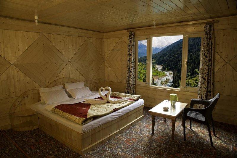 Tulip Cottage Pahalgam (Double Room 1), alquiler vacacional en Cachemira