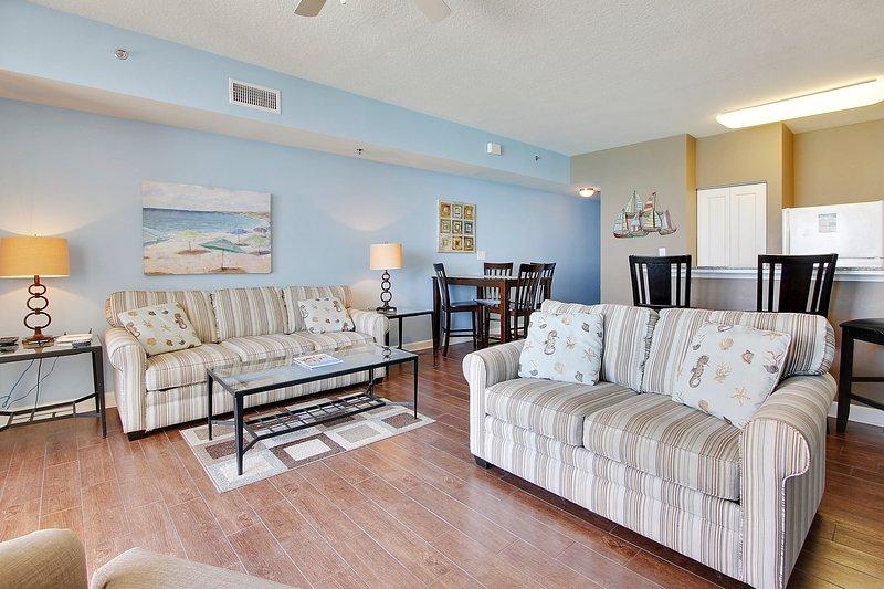 Shores of Panama 1421-Sleeper sofa in living area