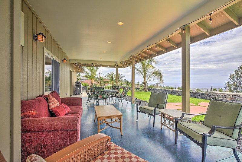 Kailua-Kona Home w/View, Mins From Coffee Country!, holiday rental in Kalaoa