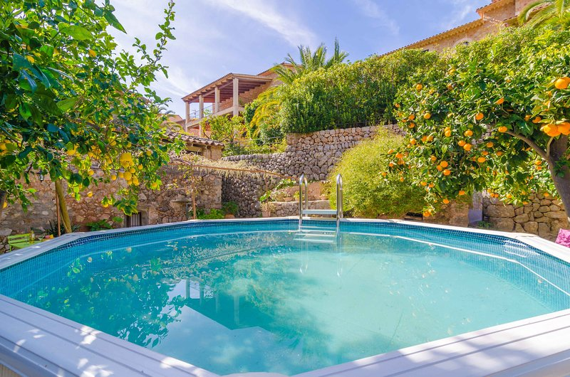 ES POADOR - Chalet for 4 people in FORNALUTX, vacation rental in Fornalutx