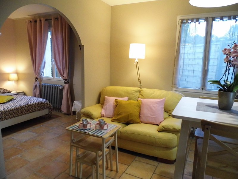STUDIO GABRIEL, holiday rental in Mimet