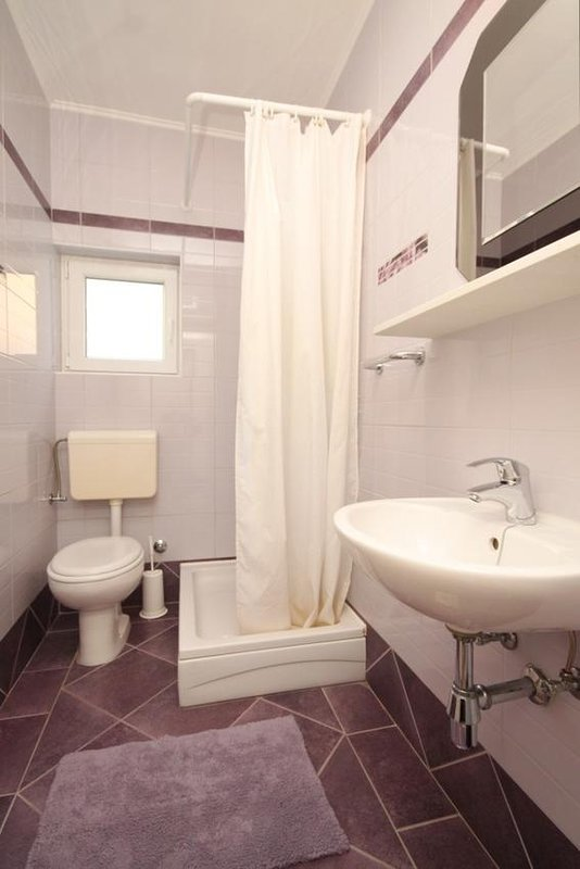 Bathroom 3, Surface: 3 m²