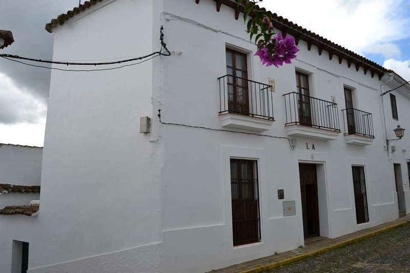 La Casona De Higuera, vacation rental in El Castillo de las Guardas