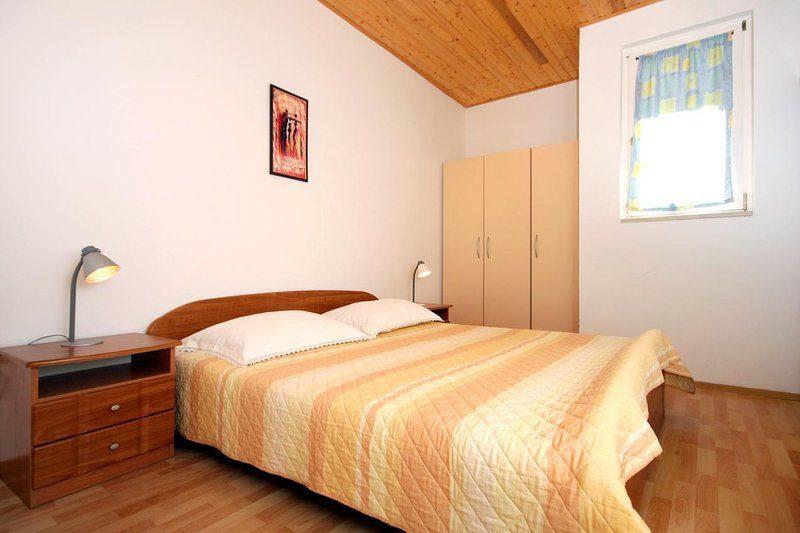 Bedroom 3, Surface: 11 m²