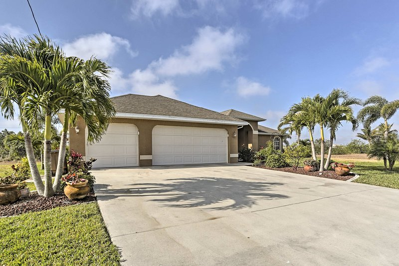 Beaches, boating, swimming and golfing await you at this Florida dream home!