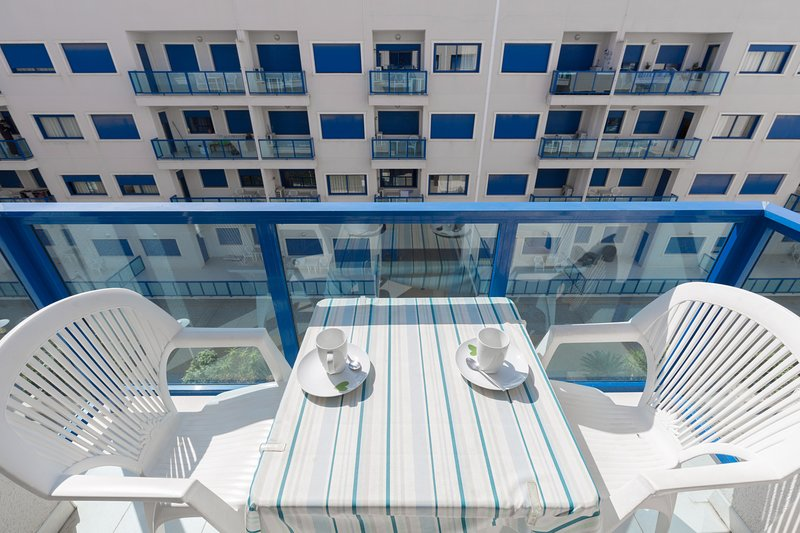 Alicante Hills South One Bedroom Apartment Sleeps, holiday rental in Torrellano