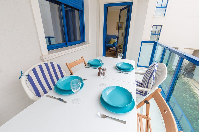 Alicante Hills Courtyard View Sleeps 6, holiday rental in San Isidro de Albatera