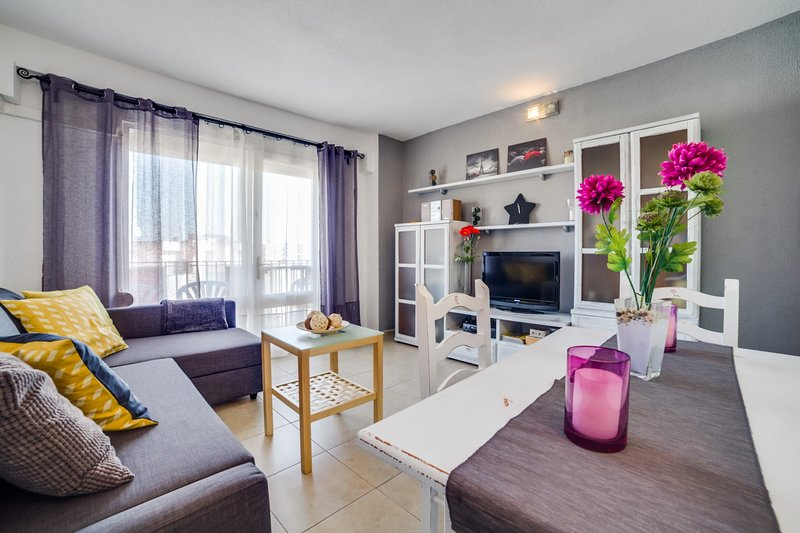 VIVALIDAYS EVA, vacation rental in Blanes