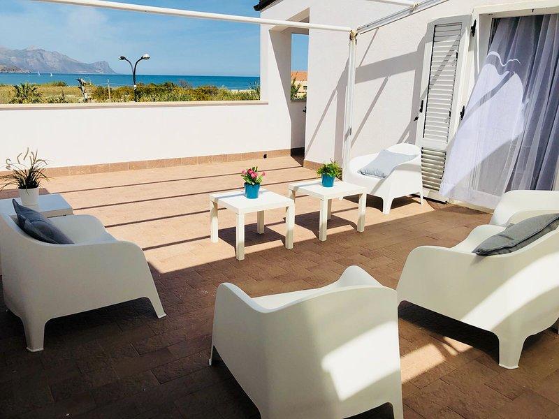 White Villa - Appartamento Mediterraneo 2+2, vacation rental in Alcamo Marina