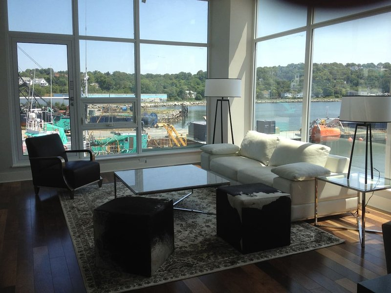 Wonderful One Bedroom at King's Wharf, vacation rental in Fall River