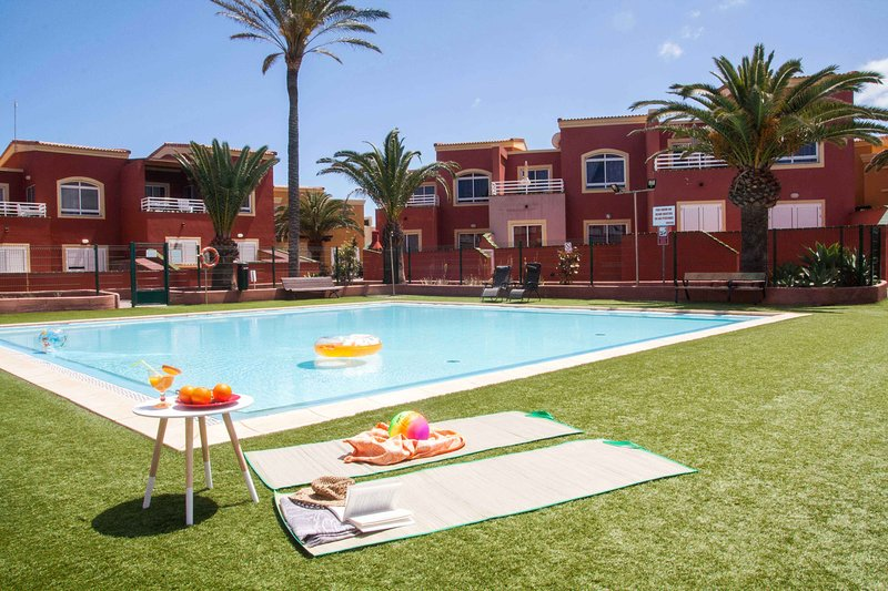 Little Paradise: piscina, wifi, terraza soleada, holiday rental in Corralejo
