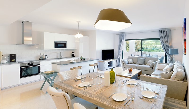 Capanes Luxury Holiday Rental - Luxury 3 bedroom apartment, location de vacances à Benahavis