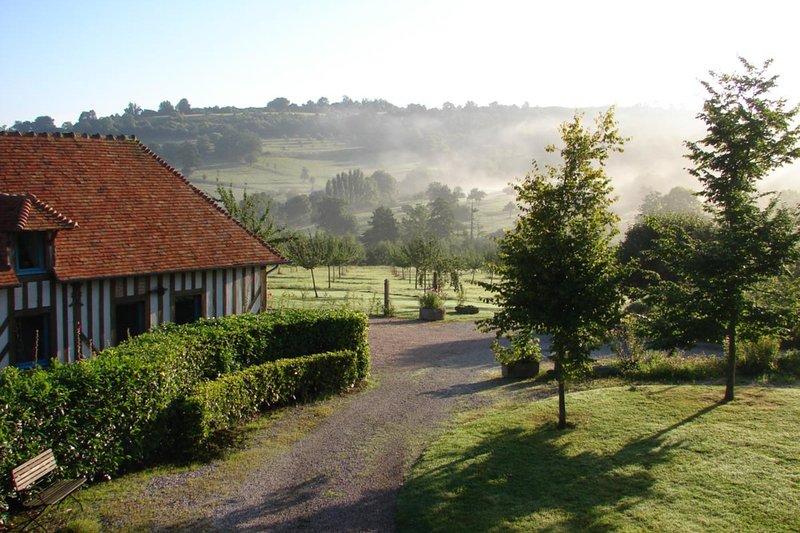 Verão: luz da manhã no Gîtes de La Hoguette