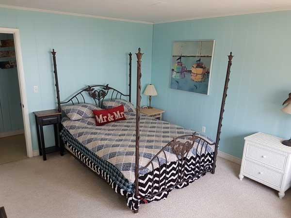 Dormitorio 1 - cama, mira hacia el lago