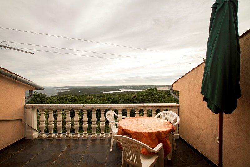 Koromacno Apartment Sleeps 8 - 5409134, holiday rental in Viskovici