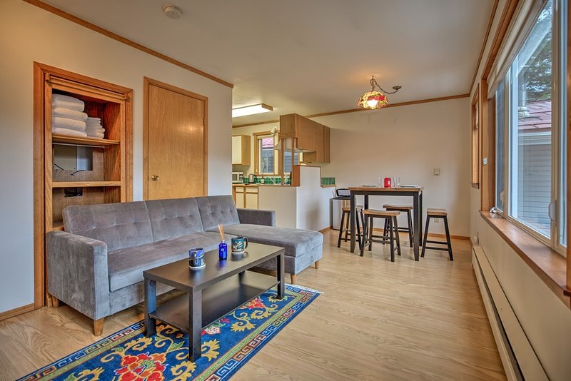 This unit features 1 bed and 1 bath, and comfortably sleeps 4.