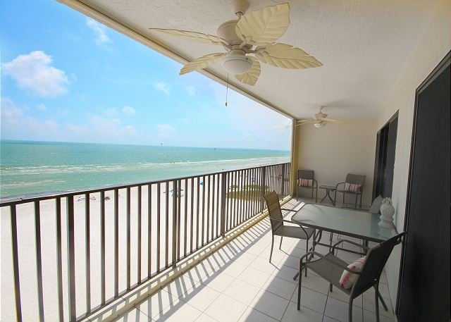Pelican Watch #503 Condo, vacation rental in Fort Myers Beach