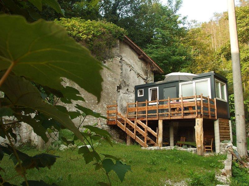 Tiny House Slovenia, casa vacanza a Slap ob Idrijci