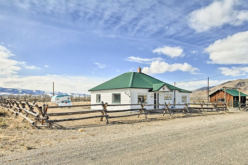 Fall in love with this Leadore vacation rental property!
