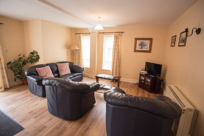 1 Arasain Bhalor Ground Floor Apartment, alquiler de vacaciones en Gweedore