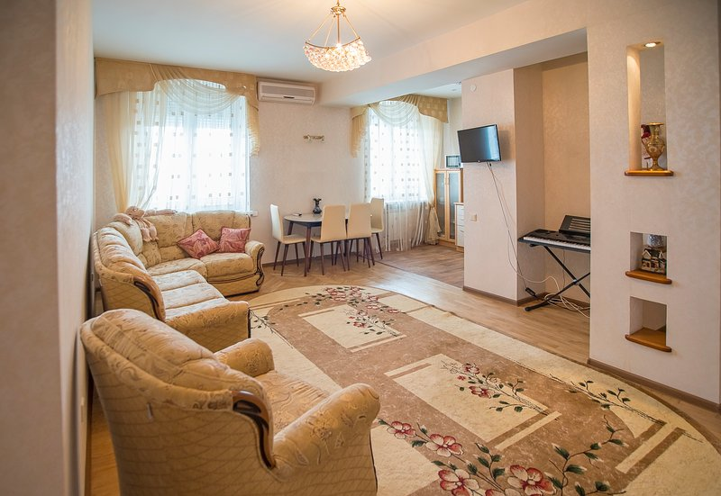 Apartment in Centre of the City that is close to the stadium, location de vacances à Volzhsky