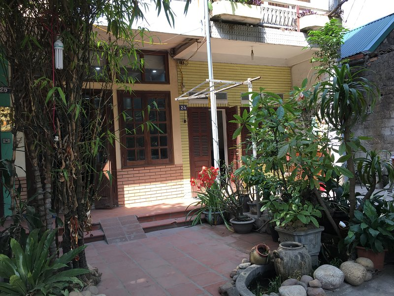 Halo Bay homestay  - local home in the heart of Ha Long, vacation rental in Halong Bay