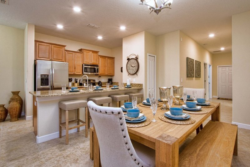 Storey Lake- 5 Bedroom Townhome w/Pool -1601ST, holiday rental in Orlando