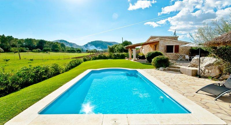 Finca Can mit privatem Pool und Blick auf die Berge Xavi