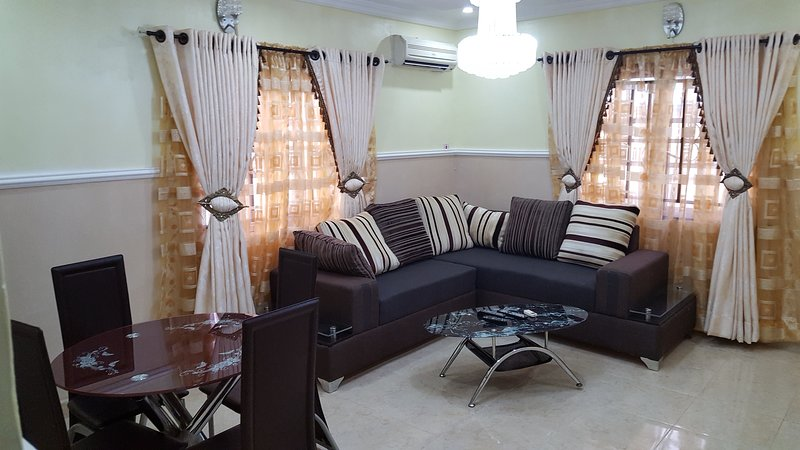 The Castle at Magodo GRA Phase 2( 2 Bed Rooms Option ), vacation rental in Lagos State
