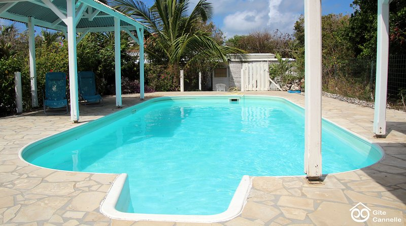 Gîte Cannelle, 4 bungalows de 2 à 6 personnes à la Pointe des Châteaux, holiday rental in Saint Francois