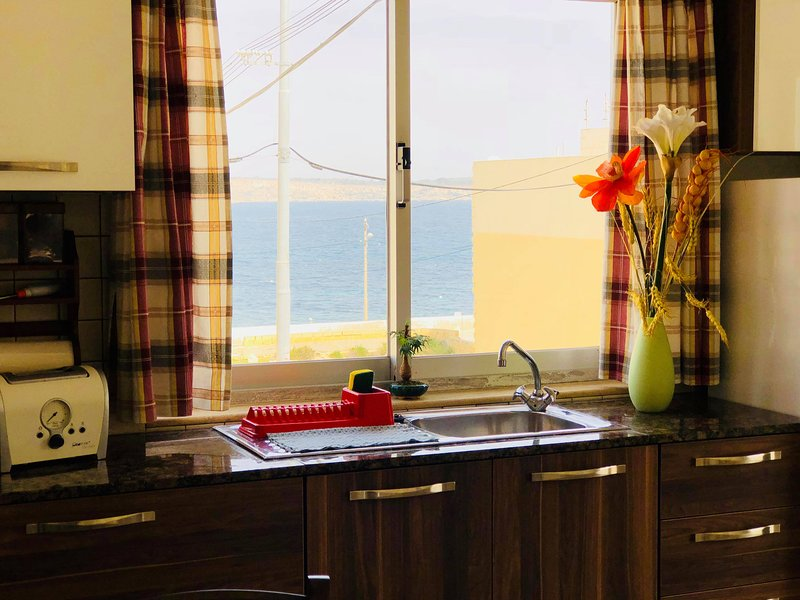 Cook with sea views ! Dine with sea views !