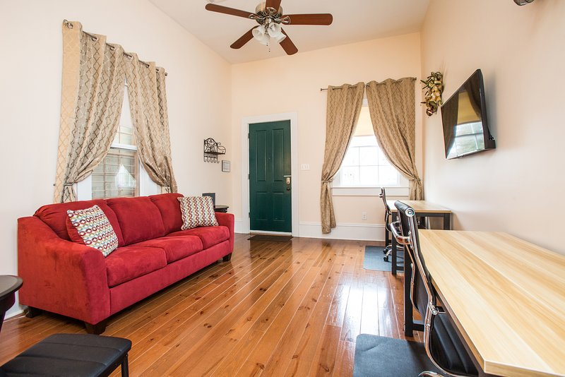 Room 1. Queen sleeper sofa. Wifi tv. 2 desks.