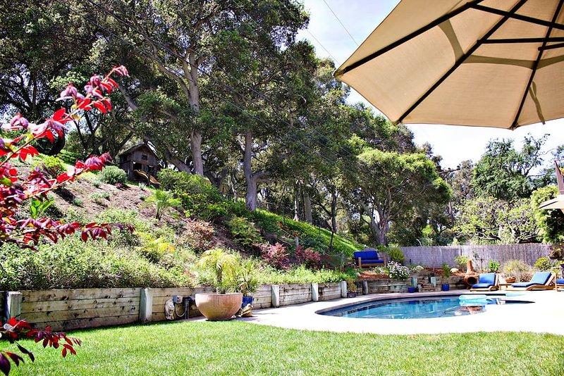 Pool House Getaway, Suite!, casa vacanza a Goleta