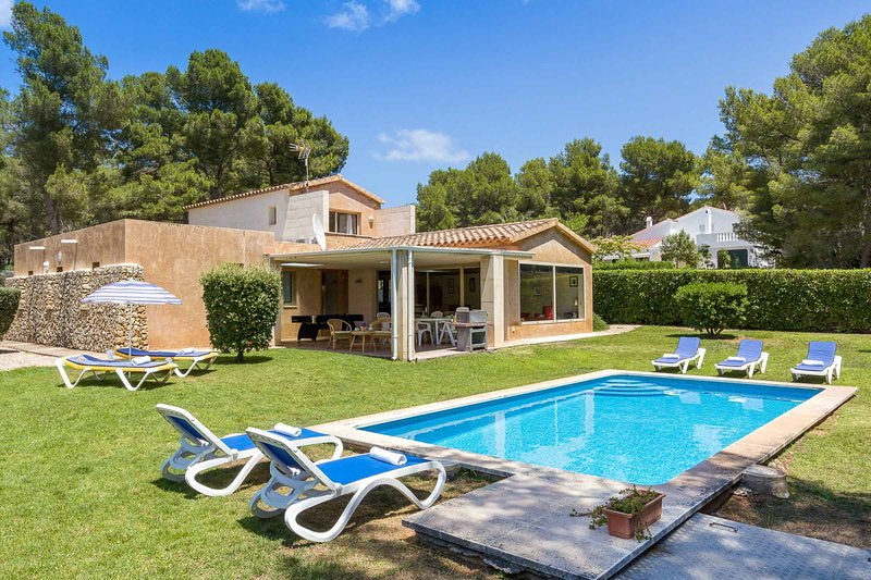 Villa Monty, holiday rental in Playas de Fornells