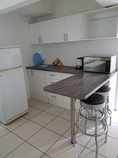 Cammy's Pad Cozy Crisp Clean Self Catering Accomodation, vacation rental in Table Mountain National Park