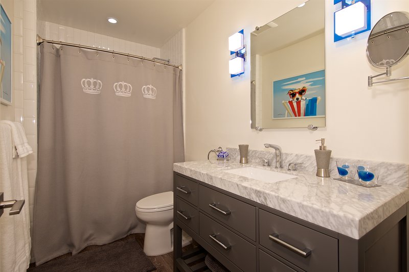 Bath 2 ~ Tub/Shower Combination