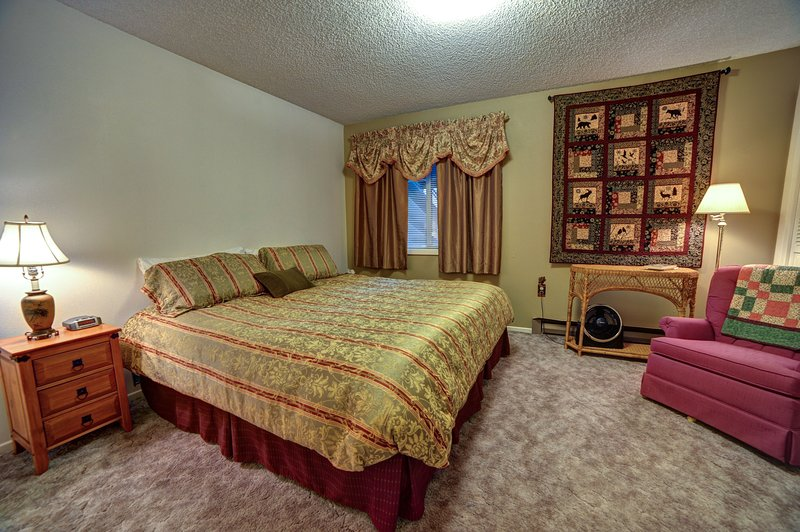 Clear Hills 646-Bedroom 2 with king or two twins
