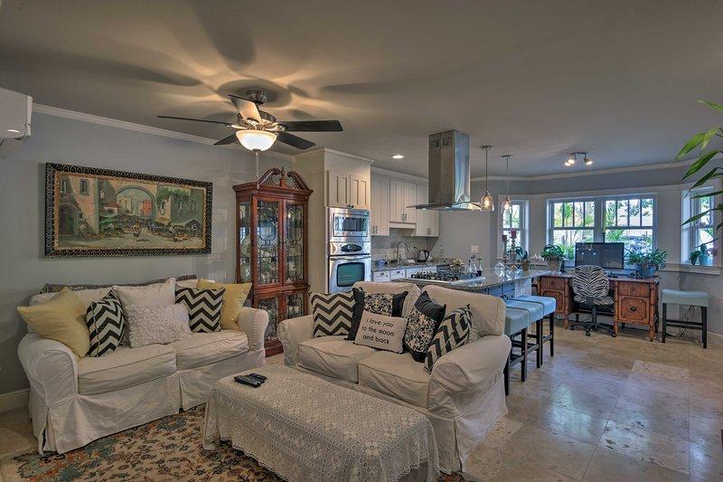 Esta casa de aluguer de férias tem um belo pátio e espaço confortável.