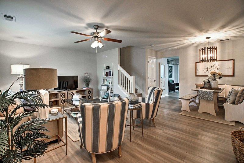 Unwind in this 2-bedroom, 2.5-bathroom vacation rental townhome in Pooler.