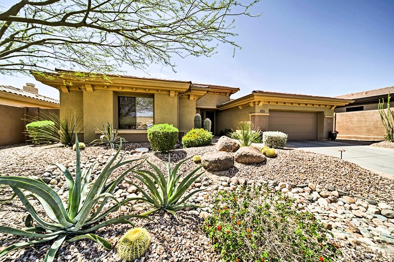 This home boasts golf course views, 2,252 square feet, and accommodations for 8.