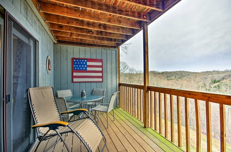 Explore beautiful Branson West from this vacation rental condo!