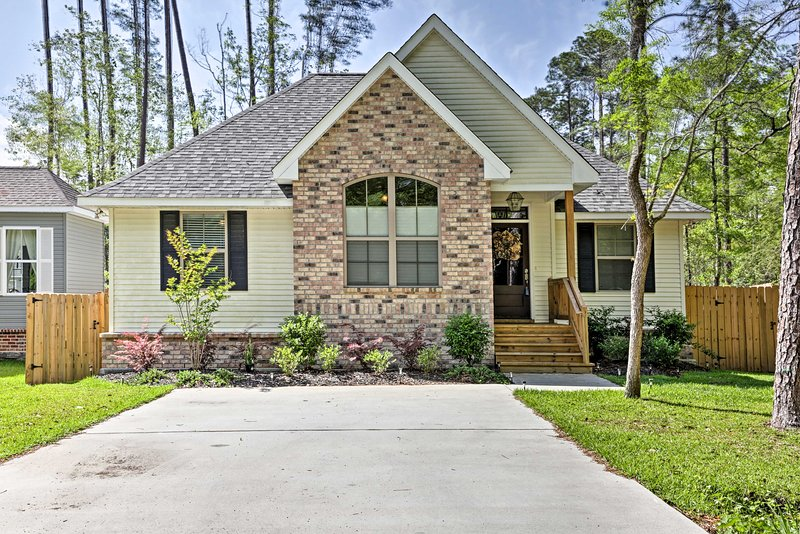 Book your Louisiana getaway to this 3-bedroom, 2-bath vacation rental home!