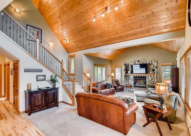 Cascade Mountain Villa - VR 365