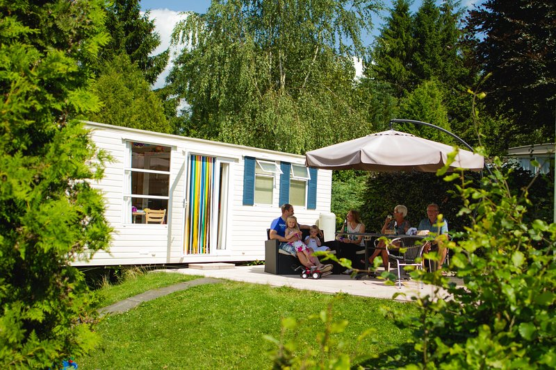 Luxury mobile homes in the Belgian Ardennes, holiday rental in Commanster
