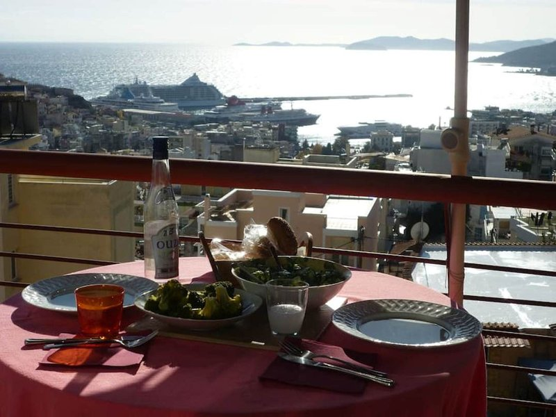 Apartment with amazing view, vacation rental in Kavala