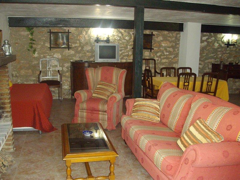 Casa n 02 mediana, holiday rental in Estepa