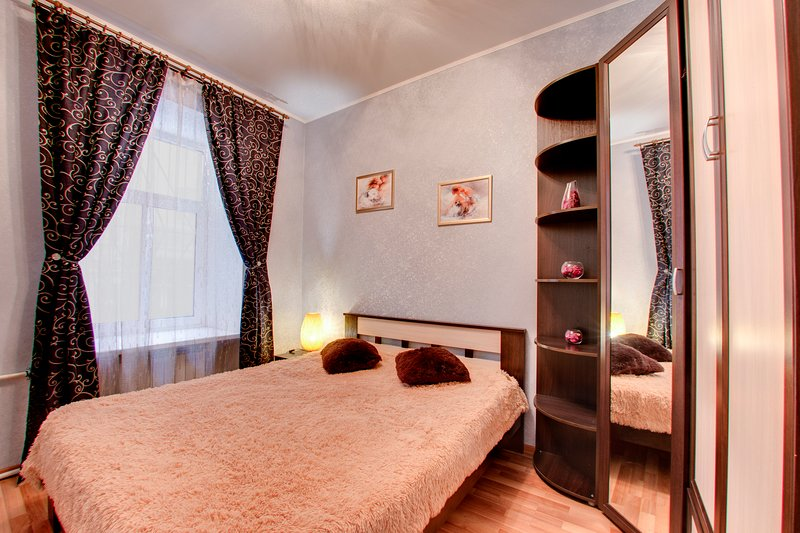 Apartments on Ligovskiy 44. Historic city center.