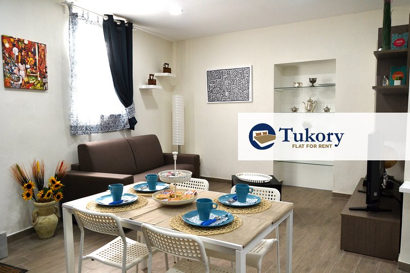 Tukory - Flat For Rent - City Center Palermo, holiday rental in San Nicola l'Arena