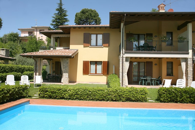 Apartments i Ciclamini a Moniga del Garda, holiday rental in Moniga del Garda